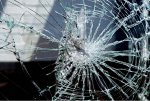 Нетрезвый водитель снес забор и скрылся с места аварии в лесу