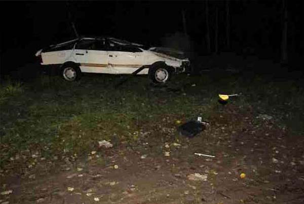 В Берестовицком районе нетрезвый водитель перевернул автомобиль, в результате чего его вместе с пассажиром выбросило из машины