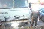 Водитель КамАЗа врезался в столб при попытке скрыться от пограничников