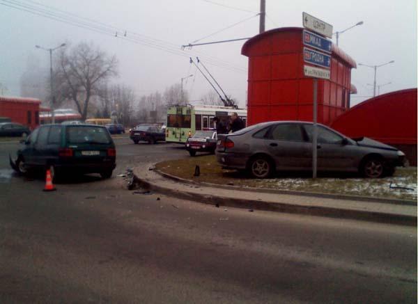 В Минске произошло столкновение Citroen и Renault на Притыцкого