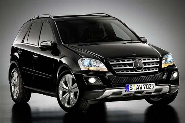 Mercedes G-Класса и М-Класса удостоились награды «Внедорожник года 2011»