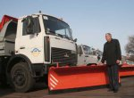 В Городокском районе снегоуборочная машина МАЗ наехала на пешехода