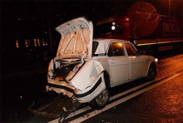В Докшицком районе произошло столкновение «Волги» и фуры