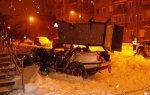 В столице столкнулись Nissan Pathfinder и Peugeot 405