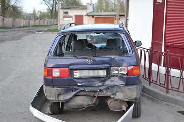 В Бресте мотоцикл въехал в машину – пассажирка скончалась