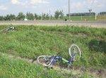 Недавно под колесами автомобилей оказались два мальчика на велосипедах