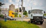В столице ДТП с участием грузовика, а также Mitsubishi и BMW