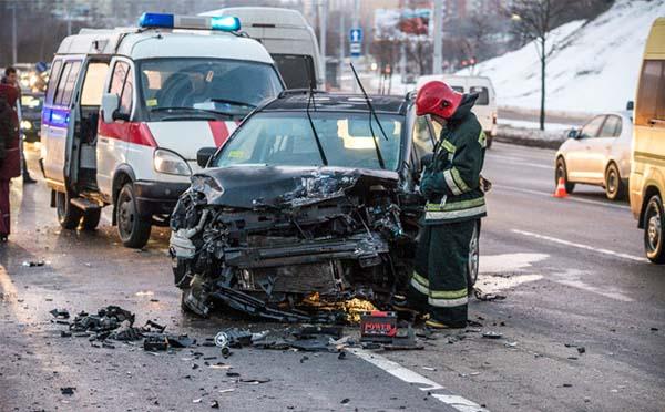В столице в лобовом столкновении Volkswagen Jetta и Mazda5 травмировался малыш