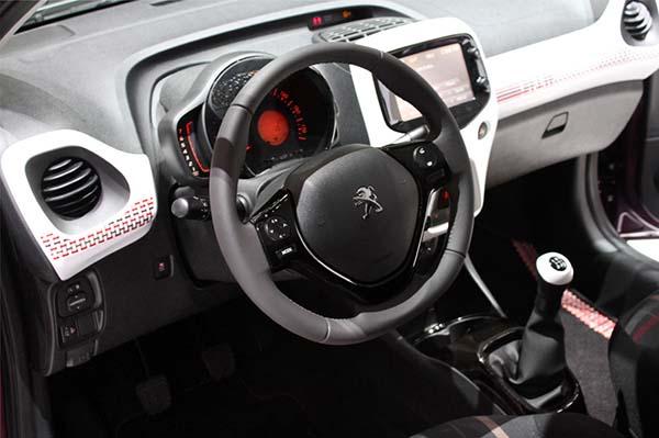 Автомобиль Peugeot 108 запущен в серию