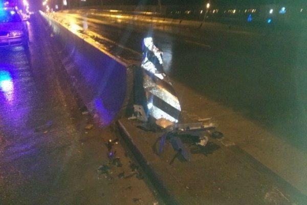 В Молодечно водитель Mitsubishi врезался в разделительный парапет, спасти его не удалось