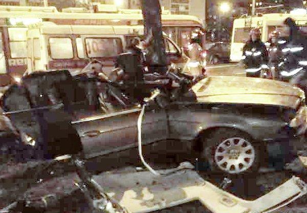 В Минске BMW на Партизанском проспекте врезался в дерево