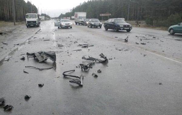 Жуткая авария в Борисове с участием мусоровоза