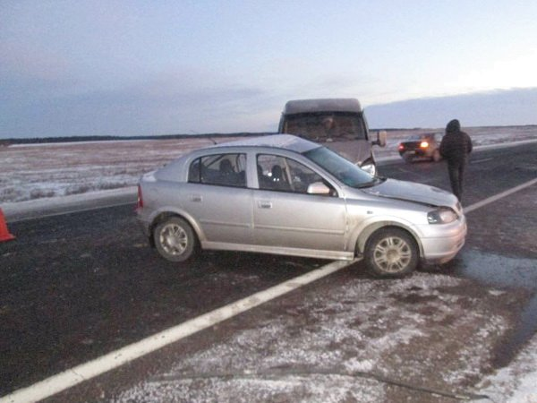 Лоб в лоб столкнулись Opel Astra и грузовая «Газель» в Бешенковичском районе