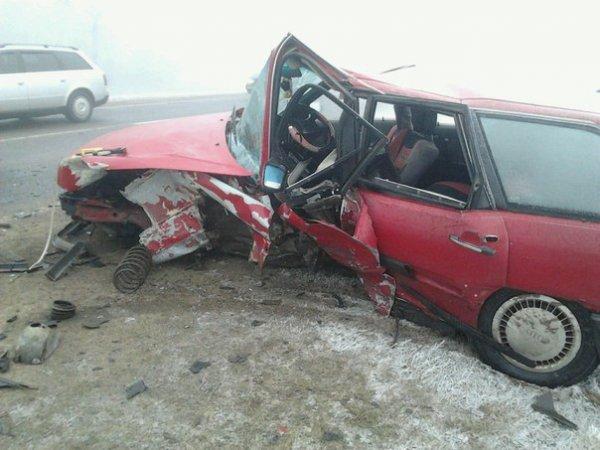 Audi в тумане: водитель хотел выполнить обгон и столкнулся с автомобилем ВАЗ