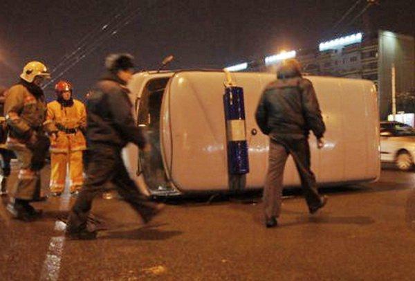 В результате столкновения с Lada 2109 в Бресте перевернулась милицейская «буханка»
