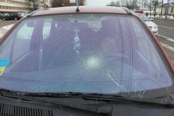 На проспекте Космонавтов в Гродно водитель Renault сбил пешеходов