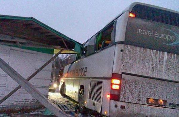 Автобус с детьми врезался в столб в Воложинском районе