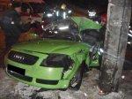 В Минске на улице Горецкого автомобиль Audi TT врезался в столб: двое пострадавших