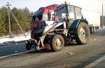 Сегодня на МКАД тракторист вылетел из кабины под колеса фуры