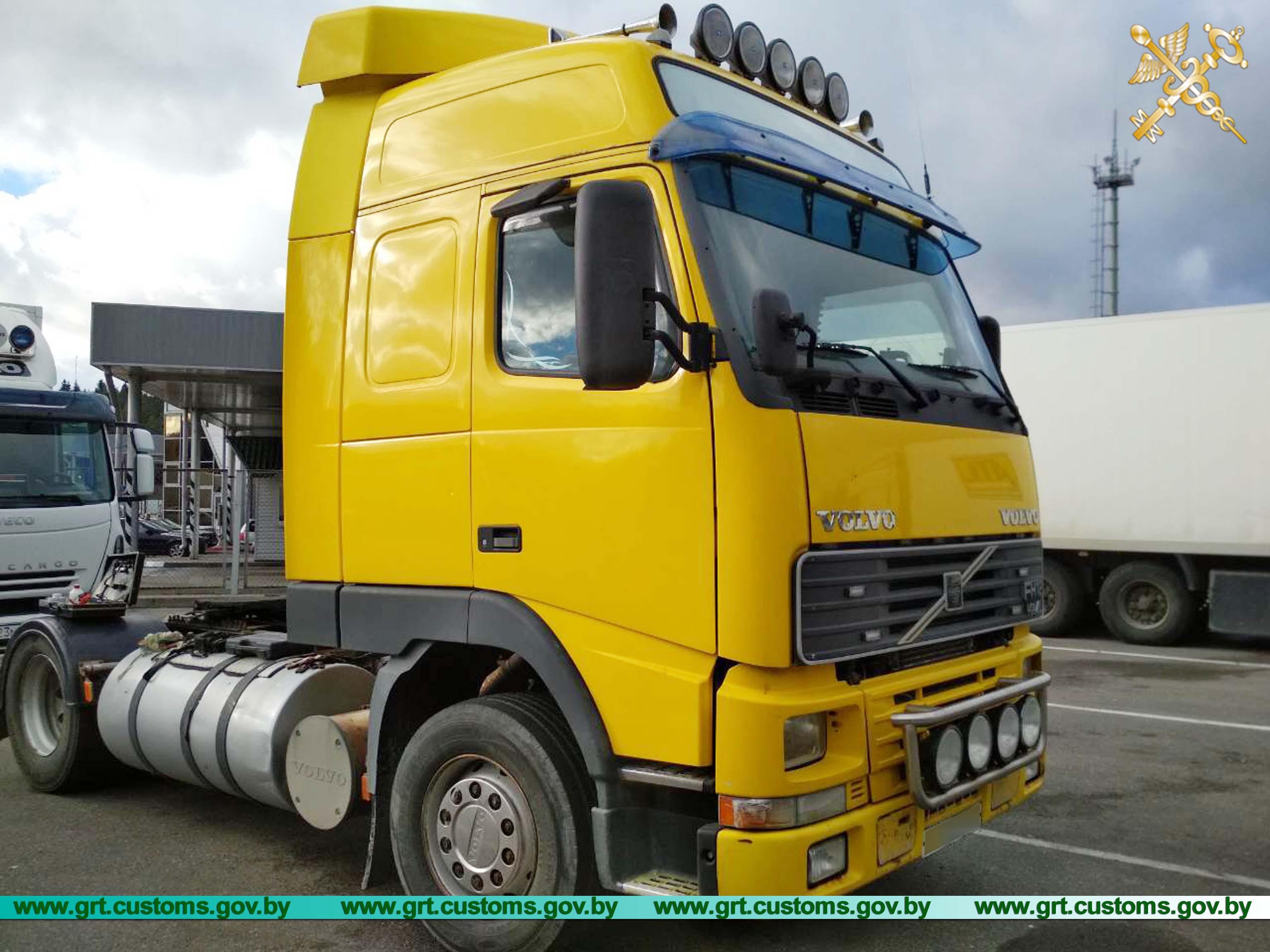 Гродненские таможенники изъяли грузовики с измененными номерами и «двойниками» после ДТП