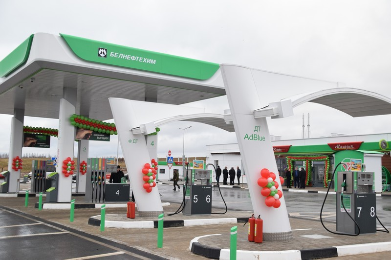 «Белнефтехим» зачастил: еще на копейку увеличиваются цены на топливо