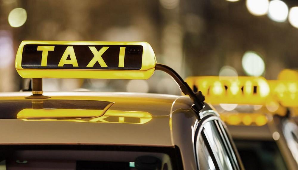 Таксисты, сохранившие апрельские цены во время Евроигр, получат «знаки отличия»