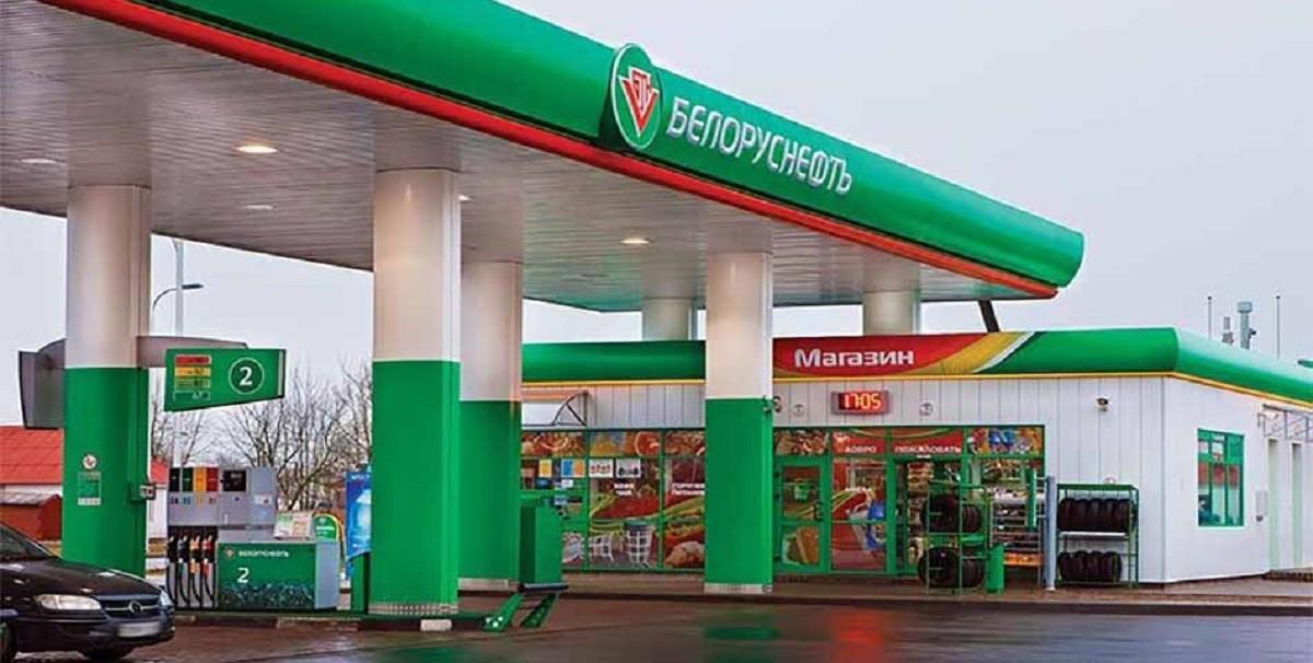На белорусских заправках цены продолжают упорно ползти вверх