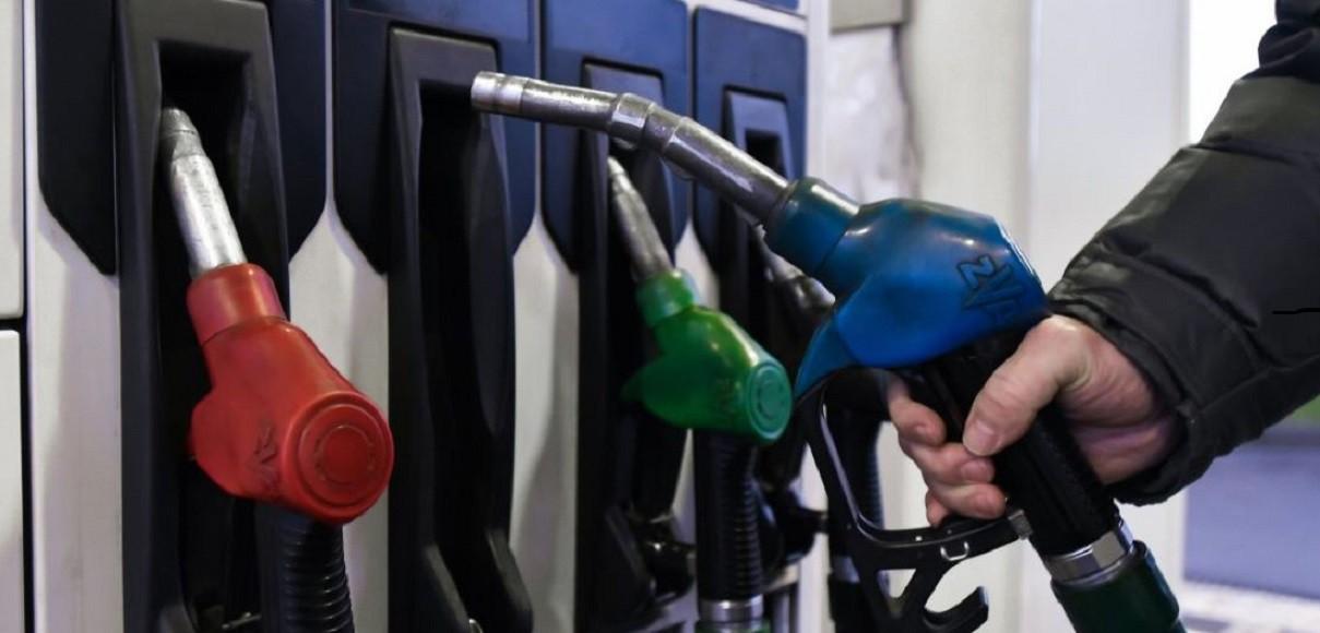 Минус копейка. Цены на топливо снова чуть-чуть снижаются