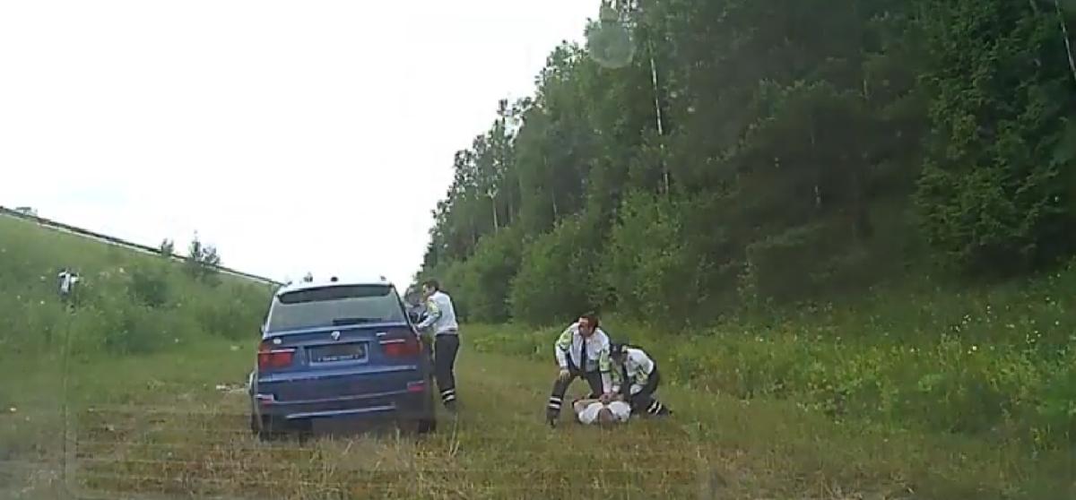 Видео: ГАИ еле догнала BMW X5 M на трассе Минск – Витебск