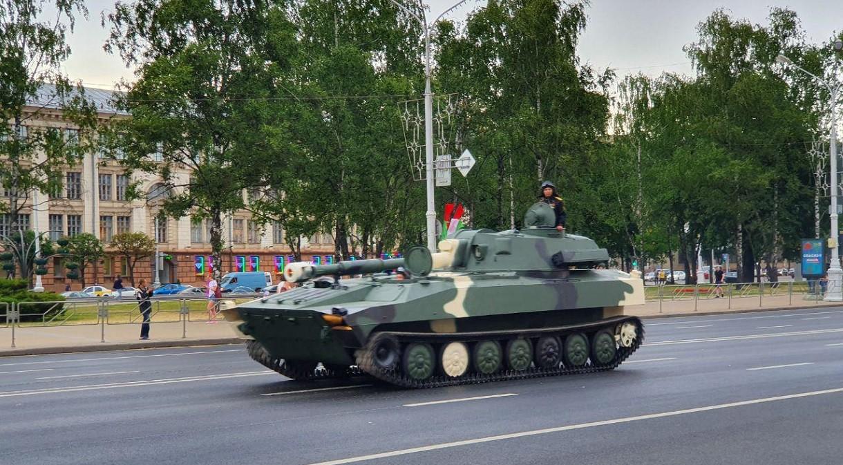 В Минске грядет парад. ГАИ призывает вечером пользоваться общественным транспортом
