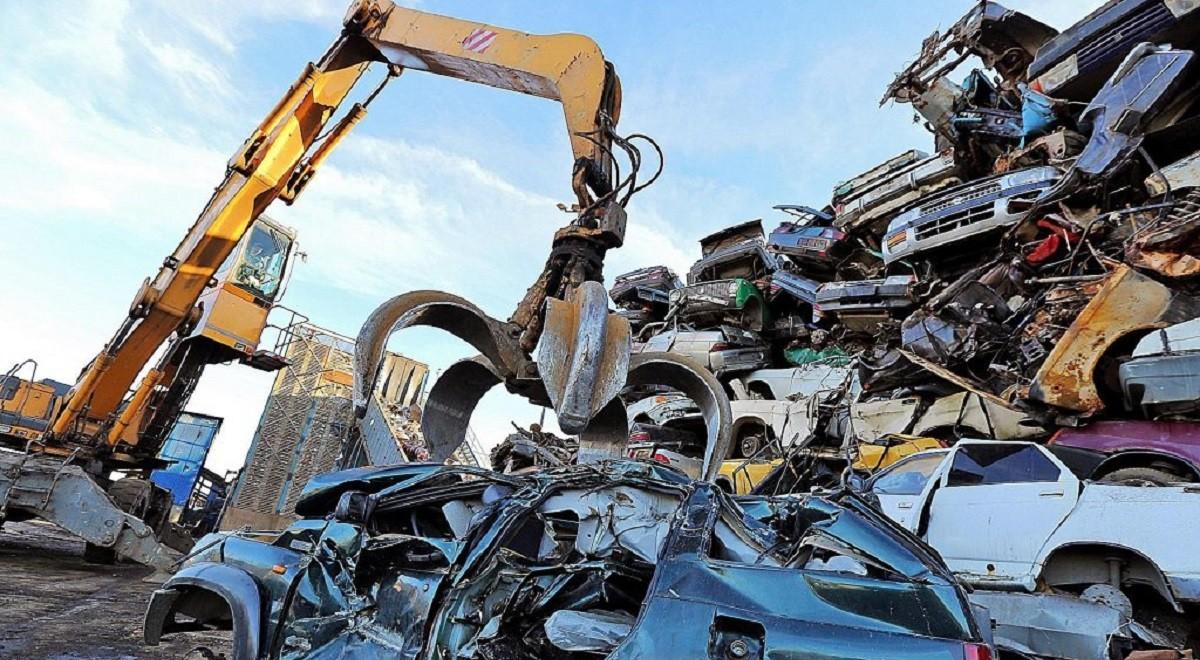 Утилизационный сбор на авто в Беларуси повысится уже в середине июля. Какими будут новые ставки?