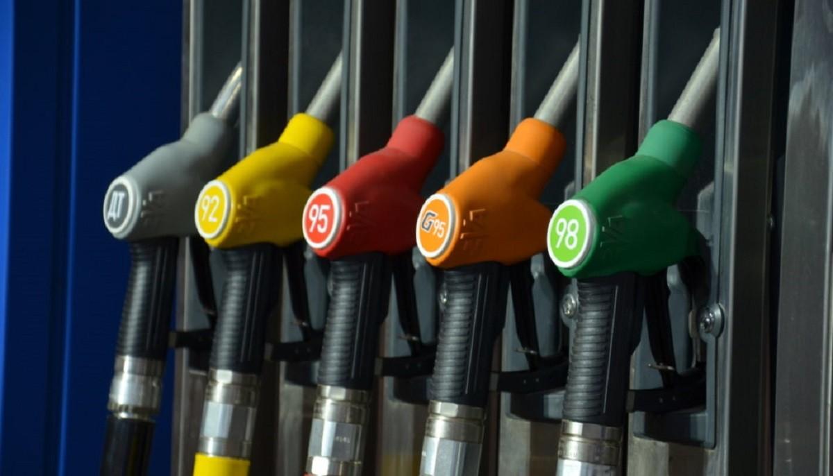 Цены на топливо снова изменятся с 21 июля. Грядет понижение на копейку