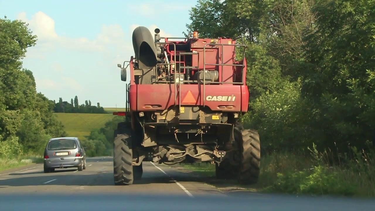 Видео: Автомобилисты жалуются на обилие сельхозтехники, а в ГАИ считают, что в большинстве аварий виноваты сами водители попуток