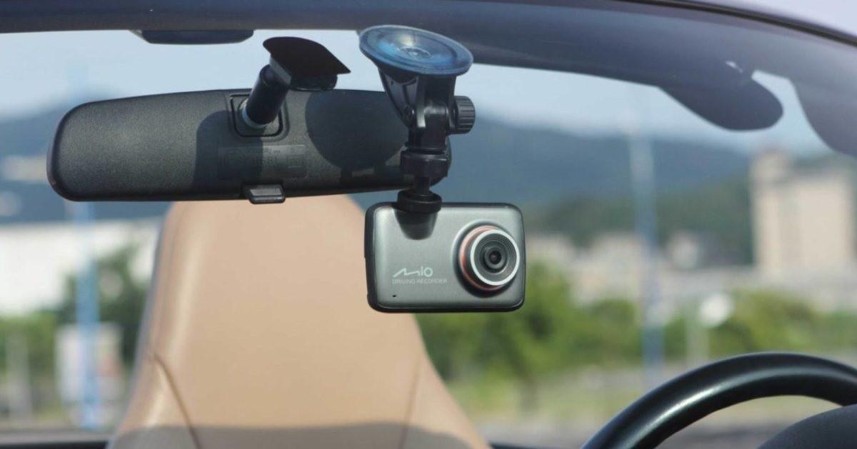 Водители, забывшие выключить на таможне видеорегистратор, караются штрафом