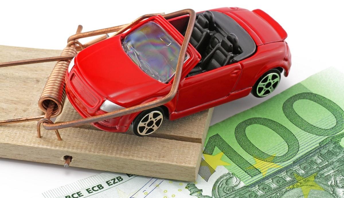 Уникальная «автомобильно-финансовая пирамида»: житель Витебска подозревается в мошенничестве