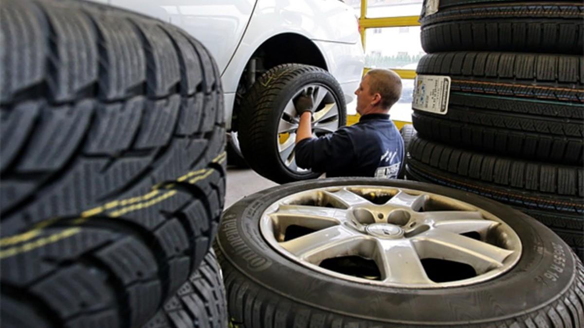 Сроки для обязательной смены сезонных шин пока остаются прежними. Какая резина не вызовет нареканий ГАИ?