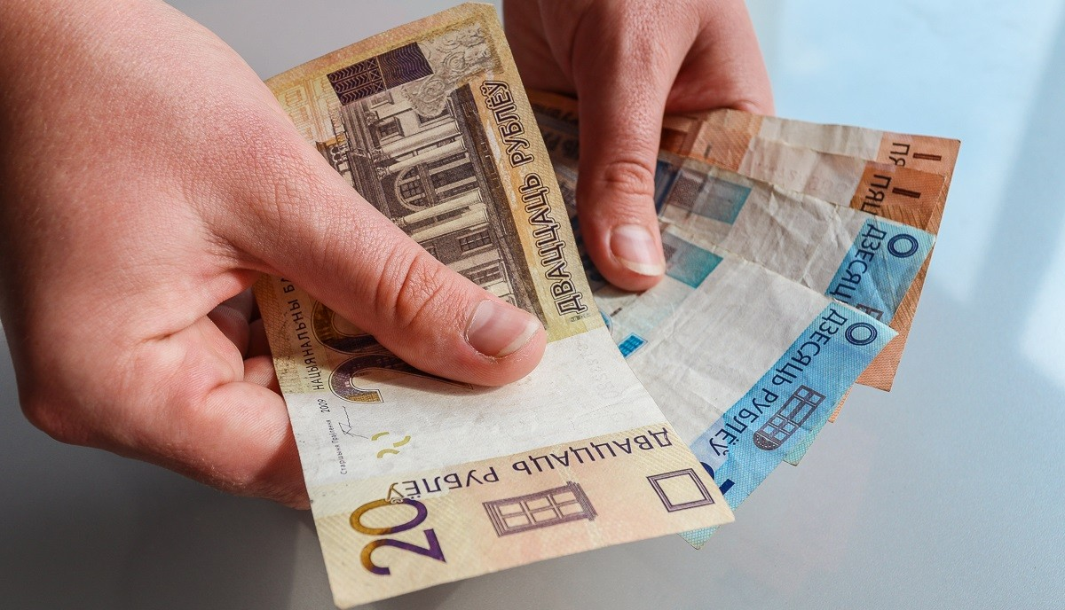 В предстоящем году в Беларуси увеличатся дорожный сбор, штрафы за нарушения ПДД и другие платежи