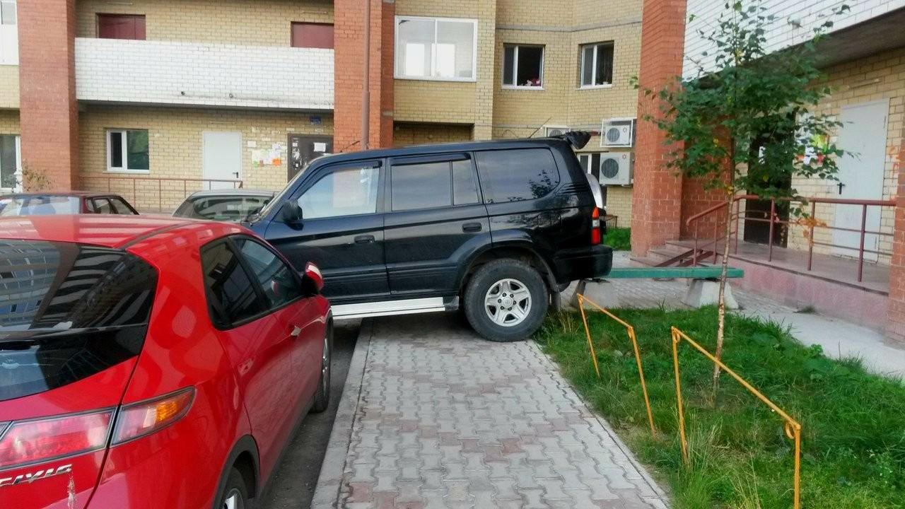 Инициатива о создании парковочной инспекции поддержана ГАИ. Грядут и другие нововведения