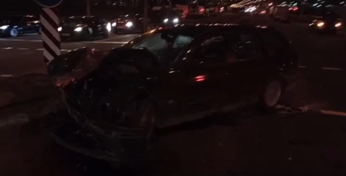 Видео: В Минске столкнулись BMW и Lexus