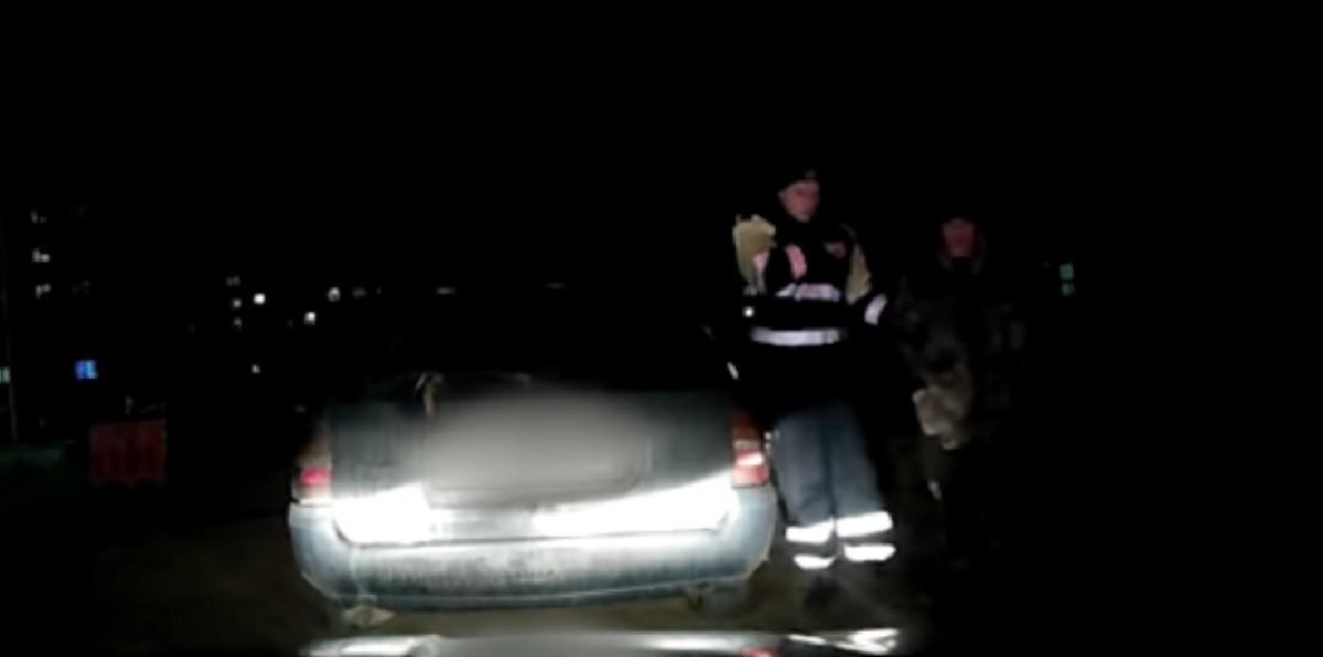 Видео: Супруга пожаловалась в ГАИ, что пьяный муж сел за руль. Преследование было быстрым