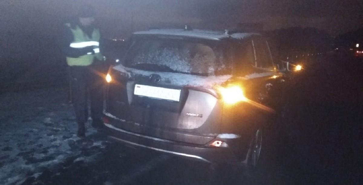 В Минском районе пешеход попал под колеса сразу двух машин. Отсутствие световозвращателя стоило ему жизни