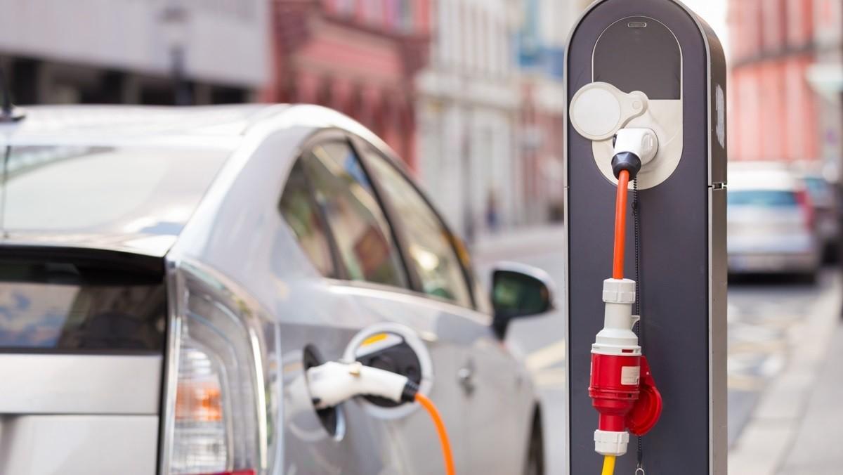 Перспективы электрокаров в Беларуси. Через год в стране появится уже 600 зарядных станций