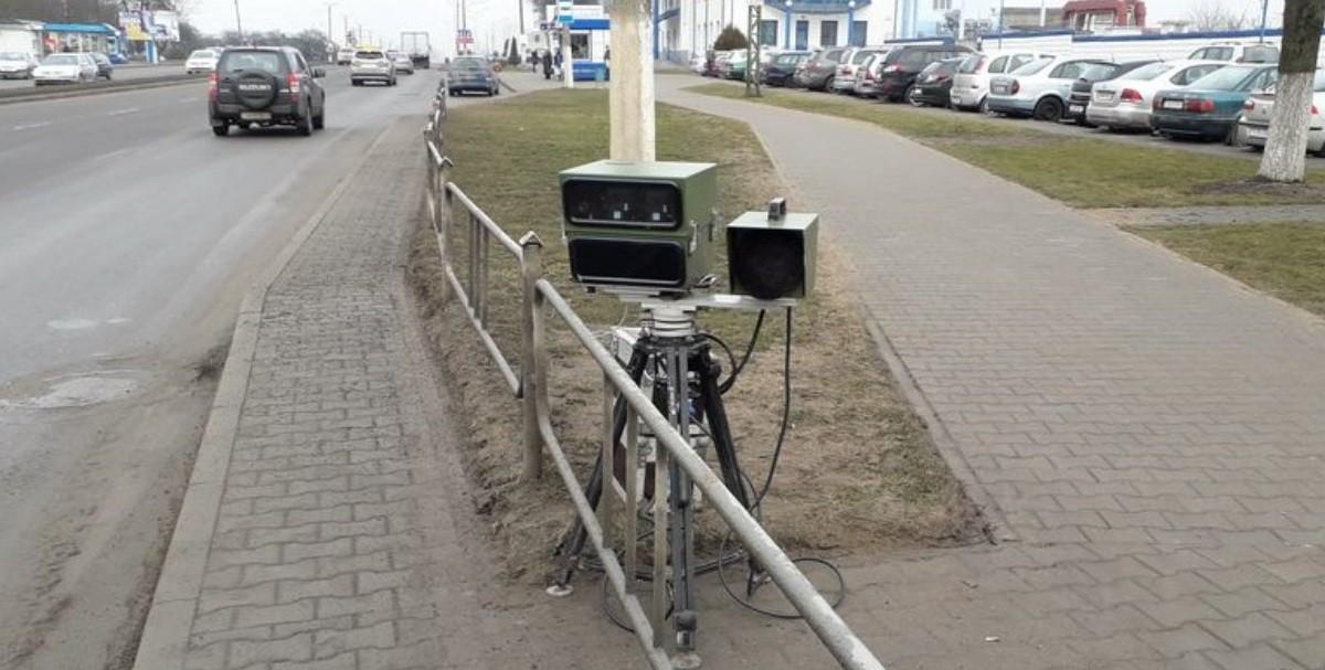 Мобильная камера на проспекте Независимости в Минске зафиксировала 150 нарушений за час. Она останется там надолго