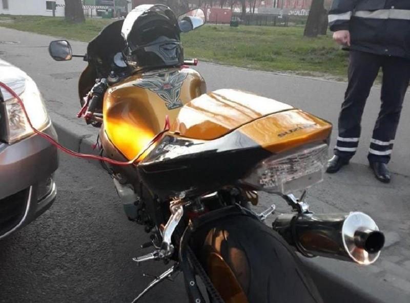 Нетрезвый мотоциклист без прав пытался уйти от ГАИ