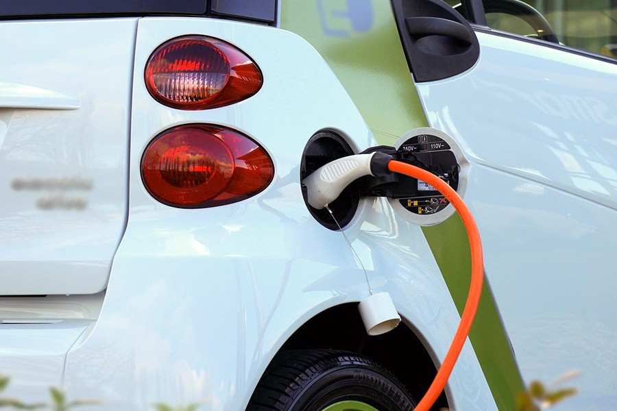 Правила ввоза легковых авто с электромотором с 15 июня