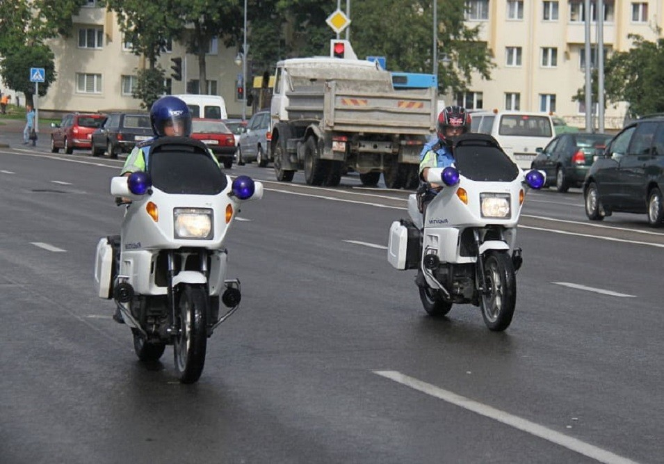 Инспекторы ГАИ будут преследовать нарушителей на мотоциклах BMW