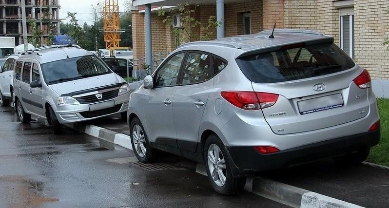 Парковки внутри второго кольца в Минске станут платными до конца следующего года