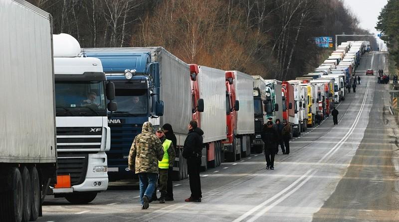 Почти 2000 фур сегодня простояли в очереди на выезде из Беларуси
