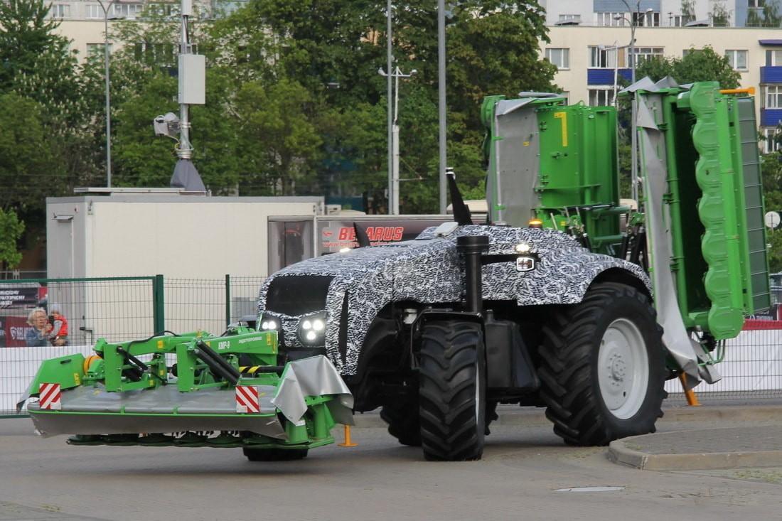 Минский тракторный завод презентовал новинку – трактор-беспилотник