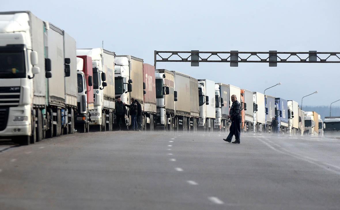 Заторы на белорусской границе: 2500 фур в ожидании выезда в ЕС